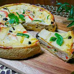 タケノコが沢山あるので、薄くスライスして、ベーコン、玉ねぎ、シメジ。彩りにパプリカ、ピーマン。あとはチーズをたっぷりと  筍はやはりチーズとの相性が良いようで…  スライスした筍がシャキシャキ食感で美味しかったです - 318件のもぐもぐ - 筍のキッシュ by sakurakoaya31