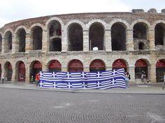 Qui a Verona noi facciamo così ! #Arena #Verona per #Tsipras I comitati L'Altra Europa Verona e L'Altra Verona per il Beni Comuni, appoggiano Alexis Tsipras e Syriza  in questa sfida elettorale.
