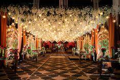 Luxury Wedding Decor, Wedding Stage Decorations, Wedding Stage Design, Backdrop Decorations, Reception Stage Decor, Wedding Reception Entrance, Wedding Walkway, Wedding Mandap, Mandap Design