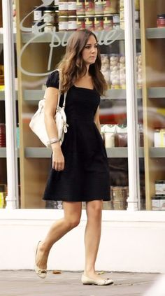 Kate Middleton in a little black dress and cute flats Kate Middleton Outfits, Looks Kate Middleton, Little Black Dress Outfit, Black Dress Outfits, Simple Black Dress, Princesa Kate, Black Dresses Online, Princesse Kate Middleton, Kate And Pippa