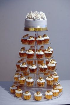 Engagement Cupcake Tower by My Cakepops - NSW - www.cakeappreciationsociety.com