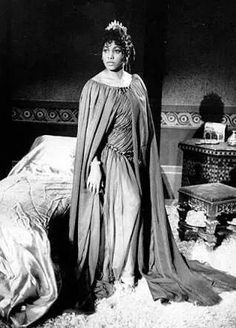 Leontyne Price as Thais. Date and photographer unknown