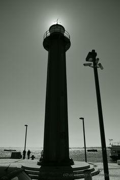Farol de Cacilhas, Almada. Esta peça de sinalização operou em Cacilhas entre 31 de Dezembro de 1885 e 18 de Maio de 1978.