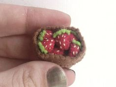Tiny Strawberry Basket - miniature felt food Tiny Food, Felt Food, Miniature Food, Avocado Toast, Dollhouse Miniatures, Fun Crafts, Hand Embroidery, Berries, Strawberry