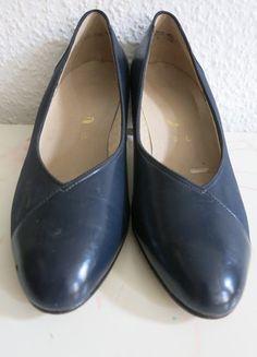 Kaufe meinen Artikel bei #Kleiderkreisel #vintage #pumps #dunkelblau #echtleder http://www.kleiderkreisel.de/damenschuhe/hohe-schuhe/65976500-vintage-pumps-dunkelblau-echtleder