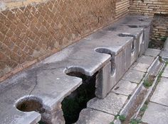 Finding public toilets in Rome