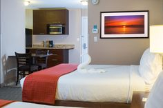 Oceanfront 2 Queen Beds Guestroom with Kitchenette