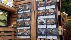 Allgemein kann man in Budapest sehr gut essen. Die Küche besteht traditionell aus viel Fleisch, Zwiebeln, Sahne und natürlich Paprika.