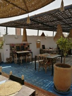 Open air rooftop cafe in ' House Doctor, Bad Set, Ethno Style, Dry Brushing, Garden Styles, Hygge, Rooftop, Morocco, Bali