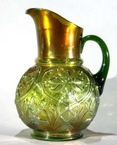Get in on the auction — bid LIVE online on art, antiques, jewelry and collectibles. Glass Jug, Glass Pitchers, Fenton Glass, Water Pitchers, Vintage Glassware, Vintage Dishes, Vintage Kitchen, Vintage Carnival, Chocolate Pots
