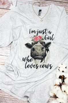 Country Outfits, Country Girls, Western Outfits, Cow Quotes, Cow Outfits, Cow Shirt, Cool Graphic Tees, Just Girl Things, Baby Shirts