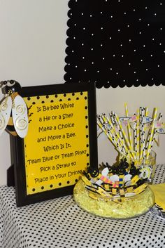 Bumble Bee Baby Shower Gender Reveal Party Ideas - New Deko Sites Gender Reveal Food, Gender Reveal Decorations, Baby Gender Reveal Party, Gender Party, Juegos Baby, Bee Party, Baby Shower Themes, Shower Ideas, Reveal Parties