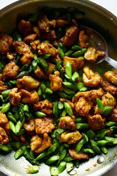 Turmeric-Black Pepper Chicken With Asparagus Recipe - NYT Cooking-- sub tofu Turmeric Black Pepper, Black Pepper Chicken, Best Nutrition Food, Cheese Nutrition, Fitness Nutrition, Cooking Recipes, Healthy Recipes, Weeknight Recipes, Free Recipes