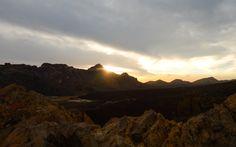 Teide auf Teneriffa © Susanna Wiedermann / Restplatzbörse Hotels, Mount Everest, Celestial, Sunset, Nature, Travel, Outdoor, Last Minute Vacation, Teneriffe