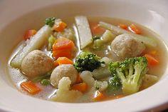 Klare bunte Gemüsesuppe mit Einlage aus kleinen Semmelklößchen, ein leckeres Rezept mit Bild aus der Kategorie Einlagen. 9 Bewertungen: Ø 3,8. Tags: Diabetiker, Einlagen, Festlich, fettarm, gekocht, Gemüse, Herbst, kalorienarm, klar, raffiniert oder preiswert, Sommer, Suppe, Vegetarisch, Vorspeise, warm