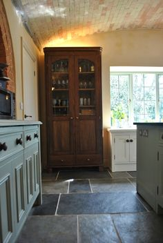 love the combination of colours wood and slate here