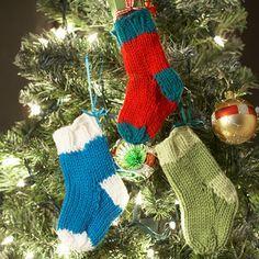 Bernat: Pattern Detail - Super Value - Mini Stockings (knit)