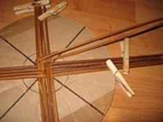 papierowa wiklina jak zrobic dno koszyka (6)