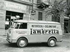 Retro Scooter, Lambretta Scooter, Scooter Girl, Vespa Scooters, Alfa Romeo Gtv 2000, Alfa Romeo Cars, Commercial Van, Commercial Vehicle, Small Trucks