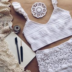 ВСЕ В АЖУРЕ. Вязание Crochet Crop Top, Crochet Blouse, Crochet Bikini, One Piece Swimwear, Bikini Swimwear, Bikini Tops, Swim Dress, Crochet Accessories, Crochet Clothes