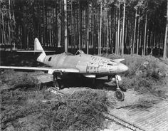 An incomplete Me262 found at the Waldwerk Kuno 1 production facility near Leipheim.