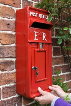 Wall Mounted ER Post Box - Wall Mounted Post Boxes - Post Boxes & Newspaper holders - Garden & Outdoor Living - Catalogue | Black Country Metal Works