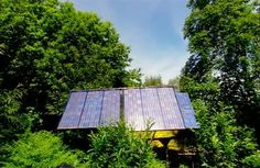 solar panels Top Comedies, Eco Homes, Passive House, Free Boxes, Solar Panels, Building, Outdoor Decor, Sun Panels, Solar Power Panels
