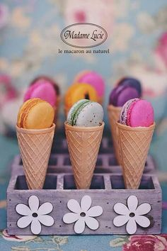 macarons in cones Macarons, Cupcakes, Cupcake Cakes, French Macaroons, Macaroon Recipes, Waffle Cones, French Pastries, Cute Food, Diy Food