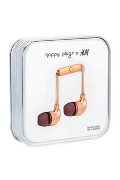 HAPPY PLUGS x H&M. Plastic in-ear headphones with silicone ear tips, built-in microphone and on/off button. The mm contact is gold-plated for optimal st H&m Gifts, Tech Gifts, Phone Accessories, Women's Accessories, H&m Online, Walpaper Black, All Smartphones, Phone Organization, Rose Gold