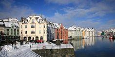 2C Art Nouveau Walk: Experience an Art Nouveau Tour in Ålesund, Norway
