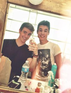 Connor Franta and Kian Lawley<3 probably the  only two people I've fallen in love with in a matter of seconds....