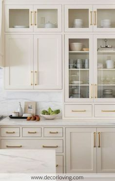 Home Decor For Small Spaces Beige kitchen cabinets inspo! Light and bright warm paint colors.Home Decor For Small Spaces Beige kitchen cabinets inspo! Light and bright warm paint colors. Off White Kitchen Cabinets, Off White Kitchens, Kitchen Cabinet Colors, Cream Colored Kitchen Cabinets, Cream And White Kitchen, Cream Cabinets, Taupe Kitchen Cabinets, Kitchen Armoire, Cream Kitchens
