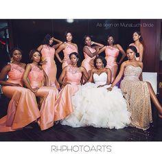 Glam bridal party. Bridesmaids. Coral. Muna luchi. Brides