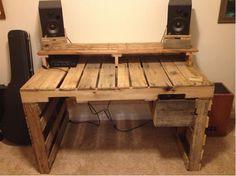 Schreibtisch aus Paletten selber bauen