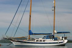 On her mooring - CT 54 Ketch, Great boat made by the world renowned Ta Chiao Boatyard in Taiwan. Small Sailboats For Sale, Sailing Basics, Sailboat Interior, Yacht Cruises, Classic Yachts, Yacht Boat, Sail Away, Boat Design, Boat Plans