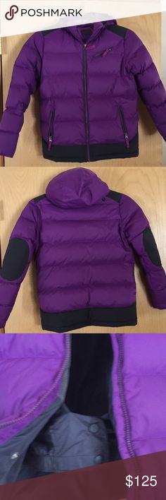 Big girls Marmot ski jacket, almost new Big Girls Marmot down ski jacket. Soft fleece on the inside, powder skirt, zippered pockets, hood can be removed. Size XL which is age 13-15. Weight range- 90 to 115 pounds, height 60-65 inches. My daughter wore it a couple times and outgrew it. Almost new Marmot Jackets & Coats Puffers