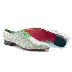 Kleurrijke, groene schoenen met bubbel