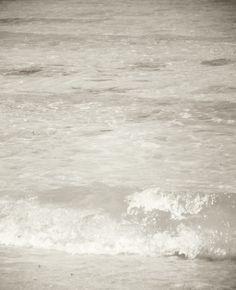 Mar en blanco y negro.