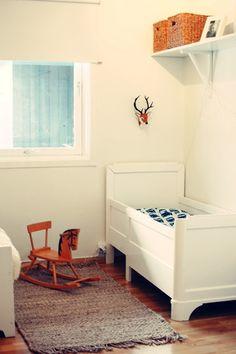 Decorar la habitación infantil en blanco