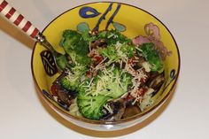 Simple dish for any time of year http://auberginearound.wordpress.com/2014/07/03/spiral-pasta-with-roasted-vegetables/