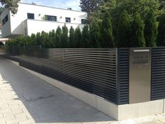 Best Ideas for Different Types Of Garden Fence Panels Designzaun Magnus - super- Garden Fence Panels, Garden Fences, Boundary Walls, Modern Fence, Garden Modern, Classic Garden, Entrance Gates, Entrance Ideas, Fence Design