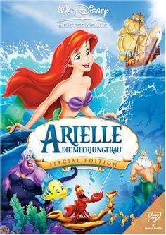 Irgendwo tief unten im Meer, jenseits aller Vorstellungskraft, findet ein fantastisches Abenteuer statt! Die eigensinnige Meerjungfrau Arielle verliebt sich in einen Menschen, den jungen, hübschen Prinzen Erik, und wünscht sich nichts sehnlicher, als bei ihm auf dem wundersamen Festland zu leben.