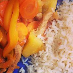 Porc au caramel, Recette de Porc au caramel #cuisine #food #faitmaison #porc #carotte #poivron #riz #wok #instafood #platprincipal #salé par MéméMoniq - Food Reporter