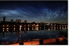 More cometary dust in the atmosphere: Noctilucent clouds appear above Gateshead in the UK late at night -- Sott.net