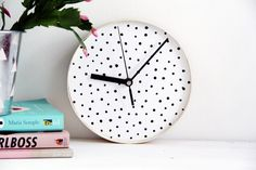 How to make clocks, personalised, handmade, DIY, crafts, crafts for kids, decor, room decor, blogs, curated, how to make DIY clocks, handmade,  design sponge