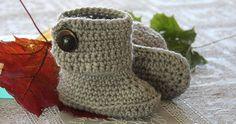 """En blogg om virknig, stickning och broderi"" Knitting For Kids, Baby Knitting Patterns, Crochet For Kids, Crochet Baby, Knit Crochet, Crochet Patterns, Baby Barn, Shabby Chic Baby, Newborn Shoes"