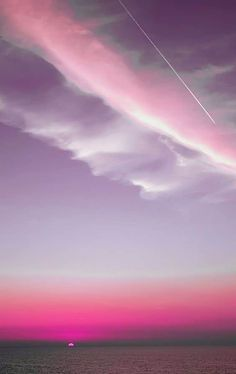 Find images and videos about pink, nature and sky on We Heart It - the app to get lost in what you love. Beautiful Sky, Beautiful World, Beautiful Places, Pretty Pictures, Cool Photos, Pink Sky, Pink Sunset, Pink Clouds, Pink Purple