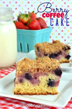 Berry Coffee Cake from insidebrucrewlife.com - easy coffee cake topped with strawberries, blueberries, and a streusel topping #breakfast #cake