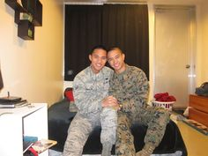His Airman, My Marine – Photo of Gay Soldiers