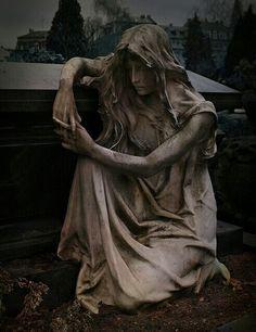 FRAU KNIET am SARG, Discovered in Nuremberg, Germany.  Friedhof St ~ Johannesfriedhof, This cemetery goes back roughly 1000 years.